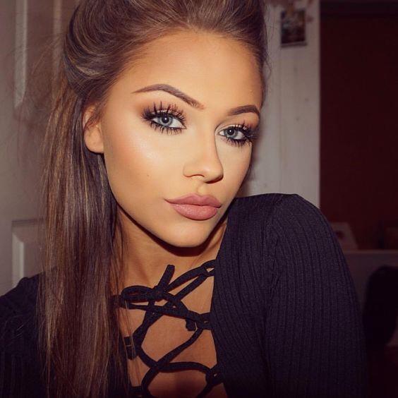 """Instagram """"Baddie"""" Makeup"""