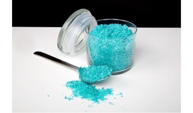 Как сделать ванночку для ногтей с солью