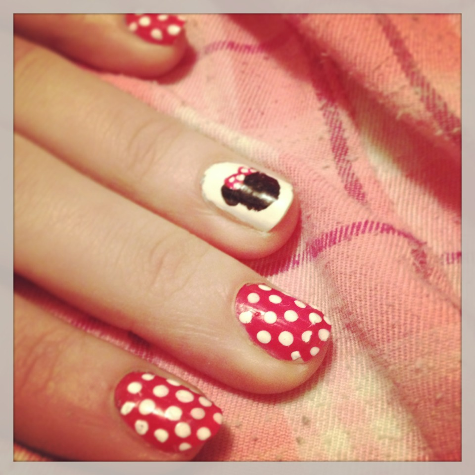 Minnie Mouse Nail Art 💅 Musely