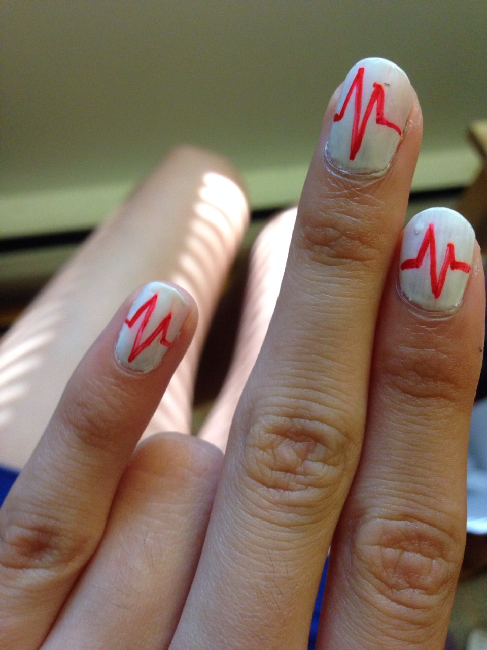 Drawing Lines On Nails : Heartbeat sharpie diy nails musely