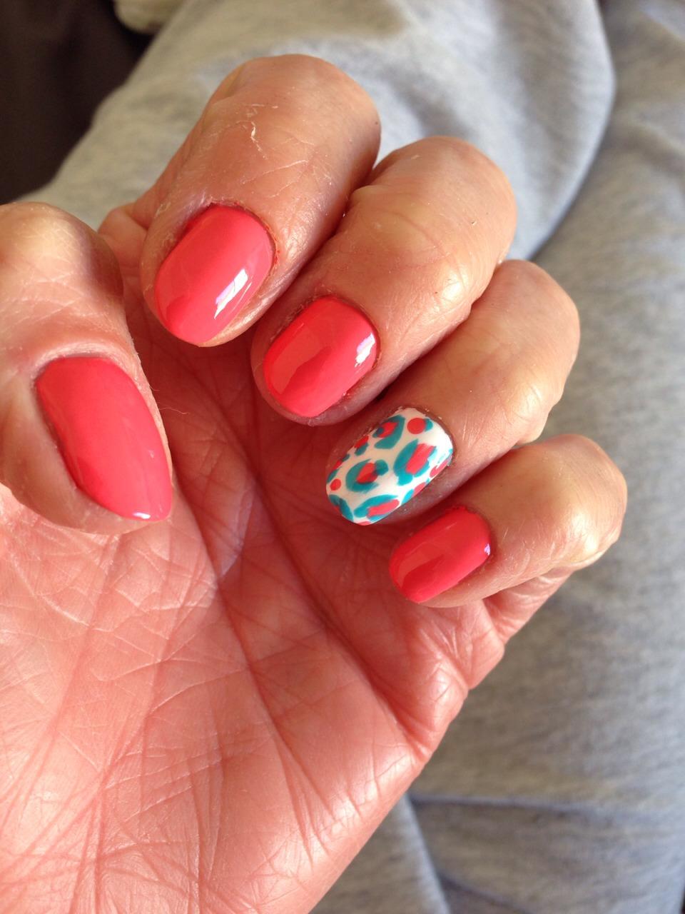 Great Spring Nail Polish Idea!