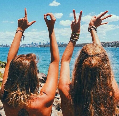 Идеи для фото с друзьями на море