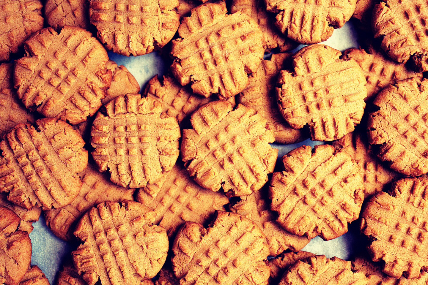 how to make simple peanut butter cookies