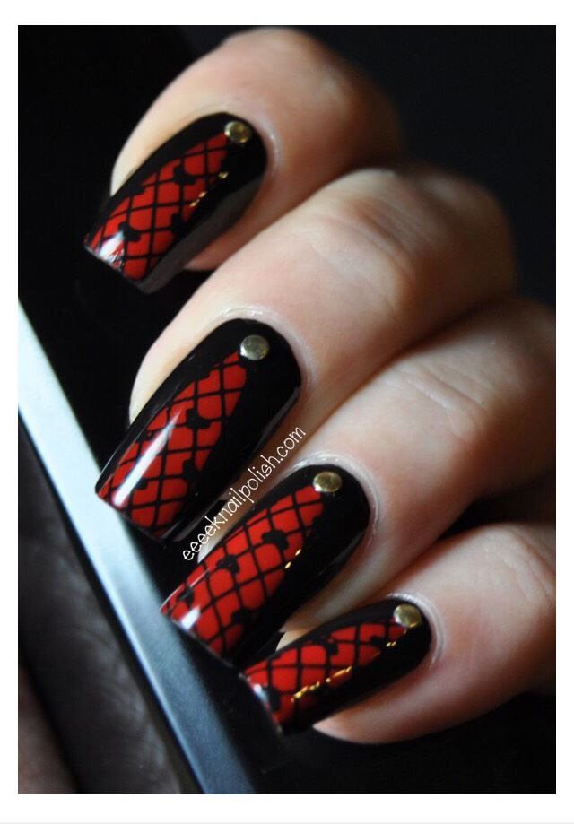 Ногти красные с черным дизайн
