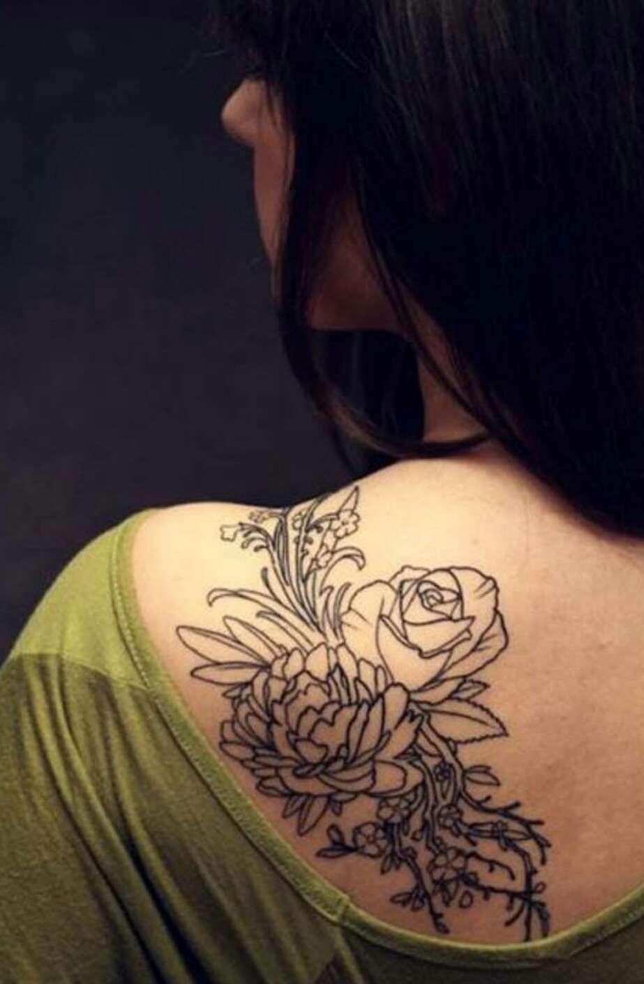 Тату на плече у девушек фото цветы