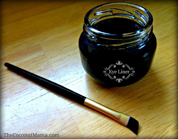 Homemade Eye Liner  Ingredients  2 teaspoons coconut oil – where to buy coconut oil 4 teaspoons aloe vera gel 1 – 2 capsules of activated charcoal (for black) OR ½ tsp cocoa powder (for Brown) Directions  Thoroughly mix all ingredients. And store in an airtight container.