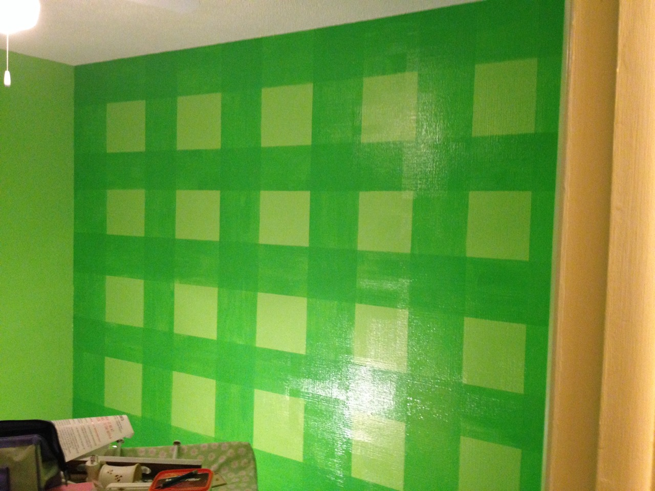 Fun Accent Wall Using Glaze, Paint Horizontal Stripes And