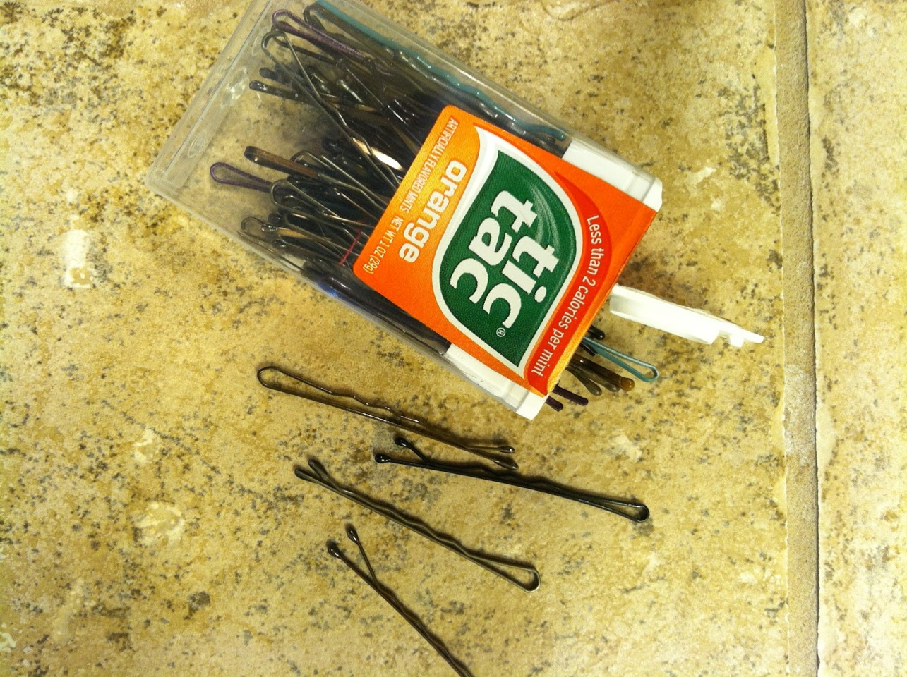 use empty tic-tac containers to store bobby pins! - Musely