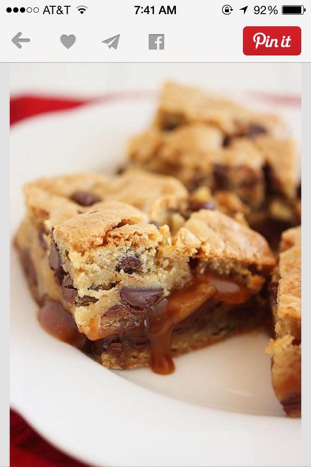 Salted-Caramel-Chocolate-Chunk-Cookie-Bars