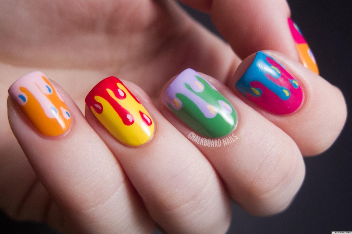 Красивый яркий маникюр на коротких ногтях фото7