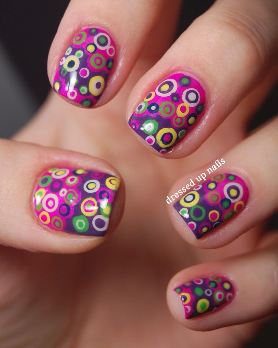 Рисунки ногтей точками