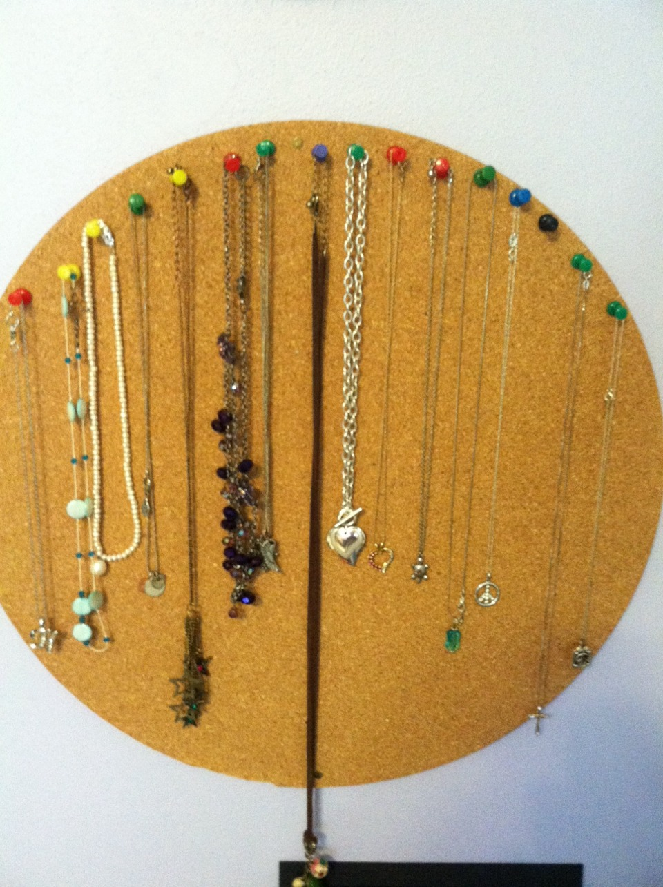Use Cork Board To Display And Organize Jewelry Musely