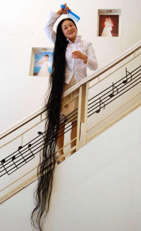 Самые длинные волосы в мире фото у девушек фото