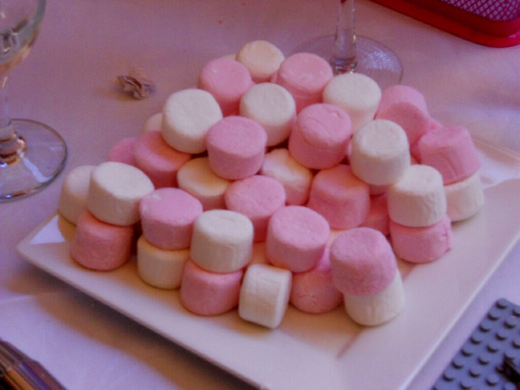 eat marshmallows to soothe a sore throat musely