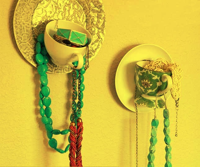7 clever ways to keep your jewelry organized musely - Clever diy ways keep jewelry organized ...