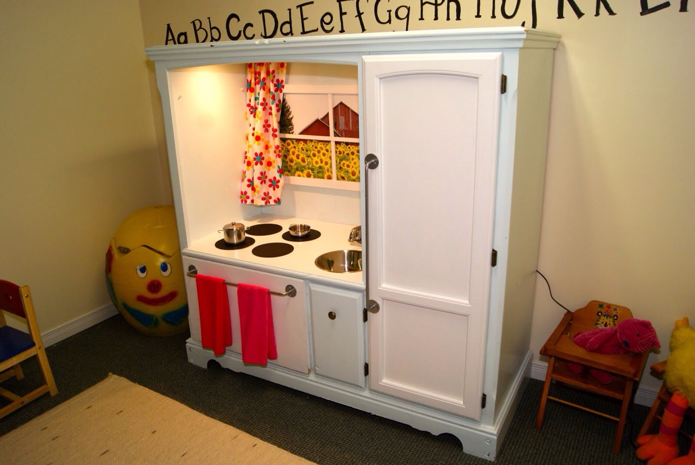 Turn old furniture into a mini kitchen set for the kids for Mini kitchen set for kids