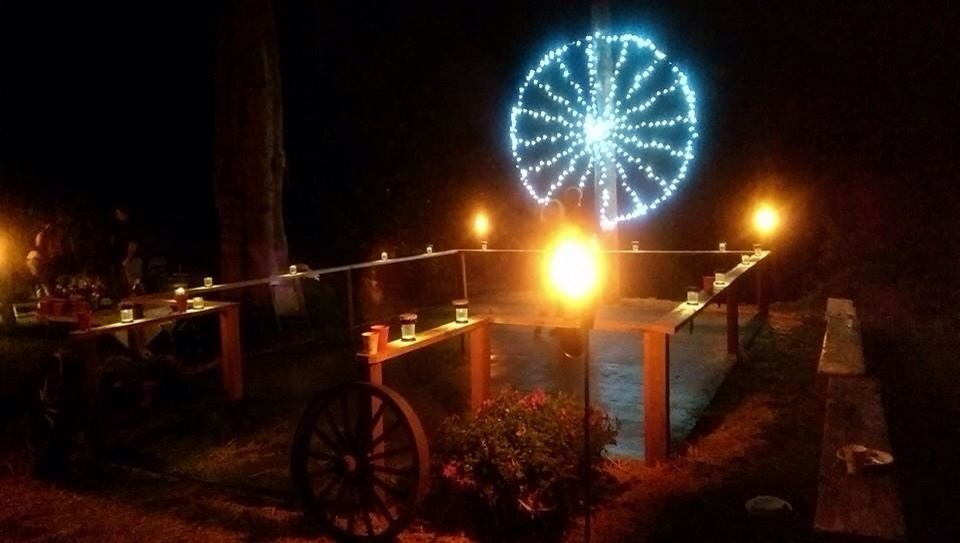 Diy dance floor for country style wedding musely for 1 2 3 4 get on d dance floor