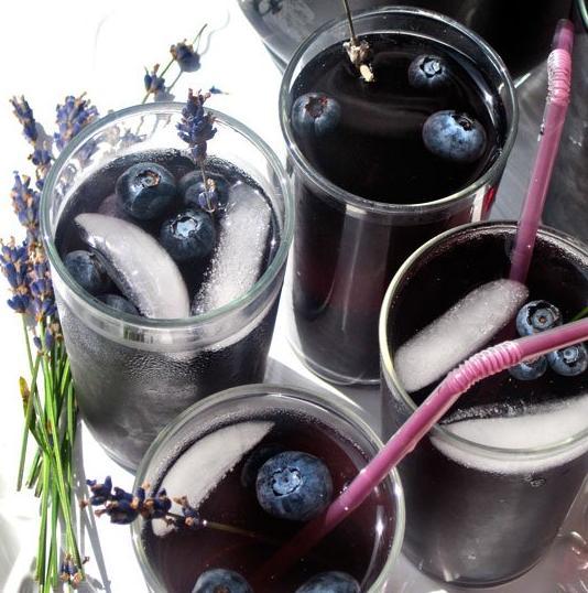 """ Blueberry Lavender Vodka Spritzer "" - Musely"