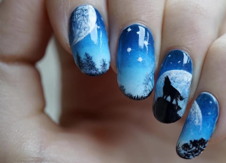 Волки на ногтях