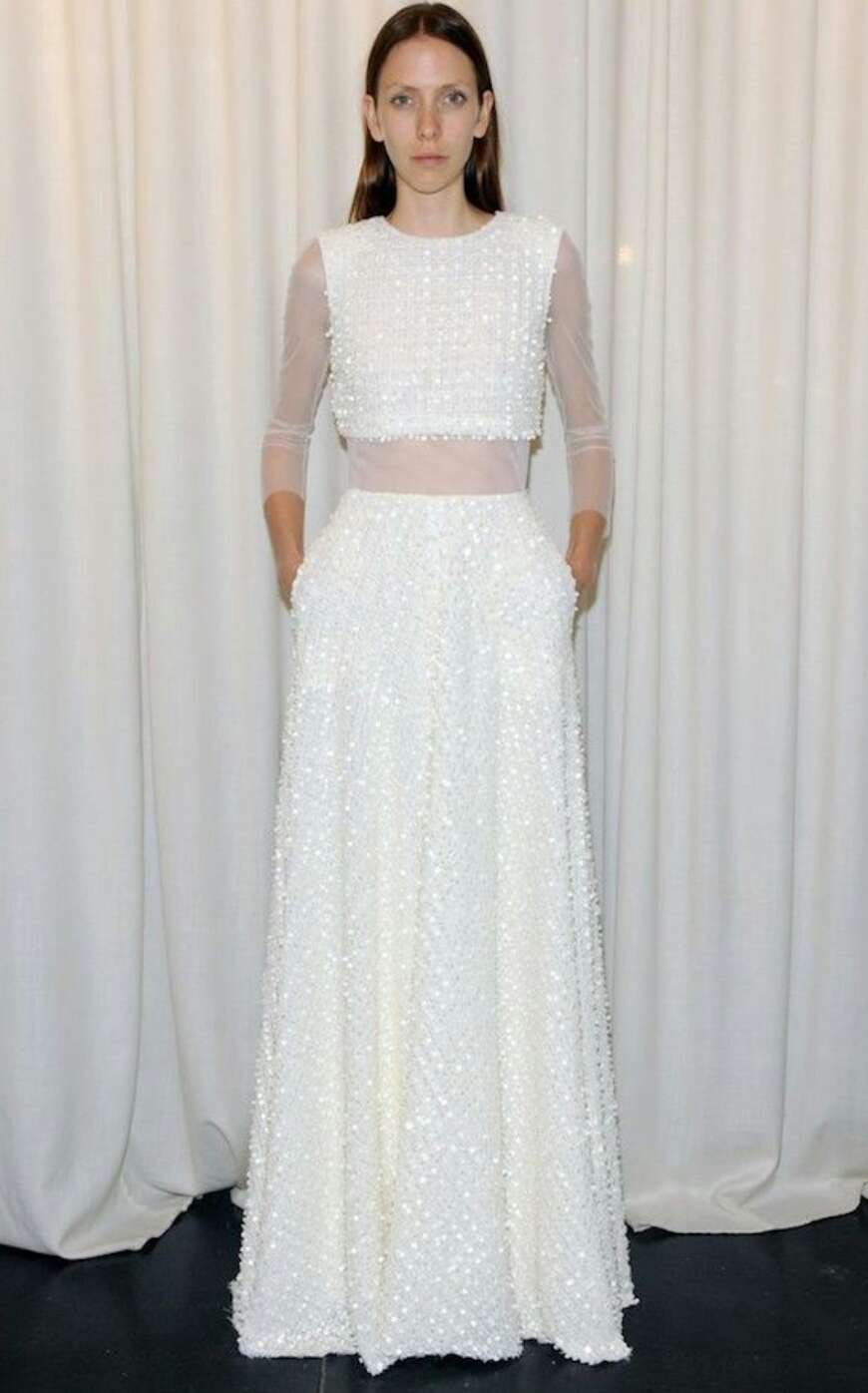 DARE TO BARE BRIDES: HOW TO WEAR A CROP TOP WEDDING DRESS