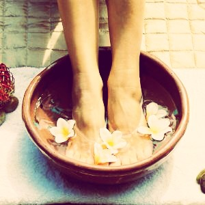 how to make feet soft with baking soda