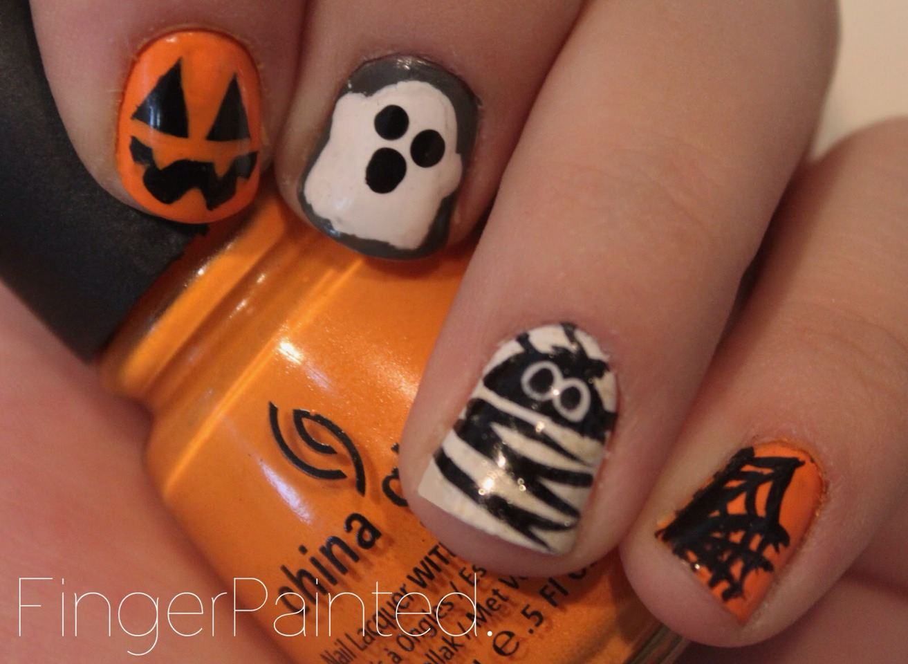 Halloween D Nail Designs