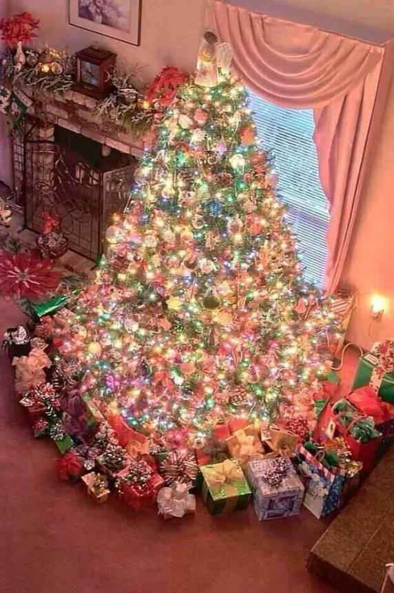 Christmas tree inspirations musely for Les plus beaux sapins de noel decores