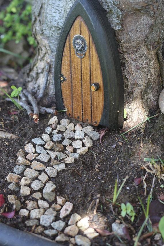 Ideas for diy fairy doors musely for Homemade elf door