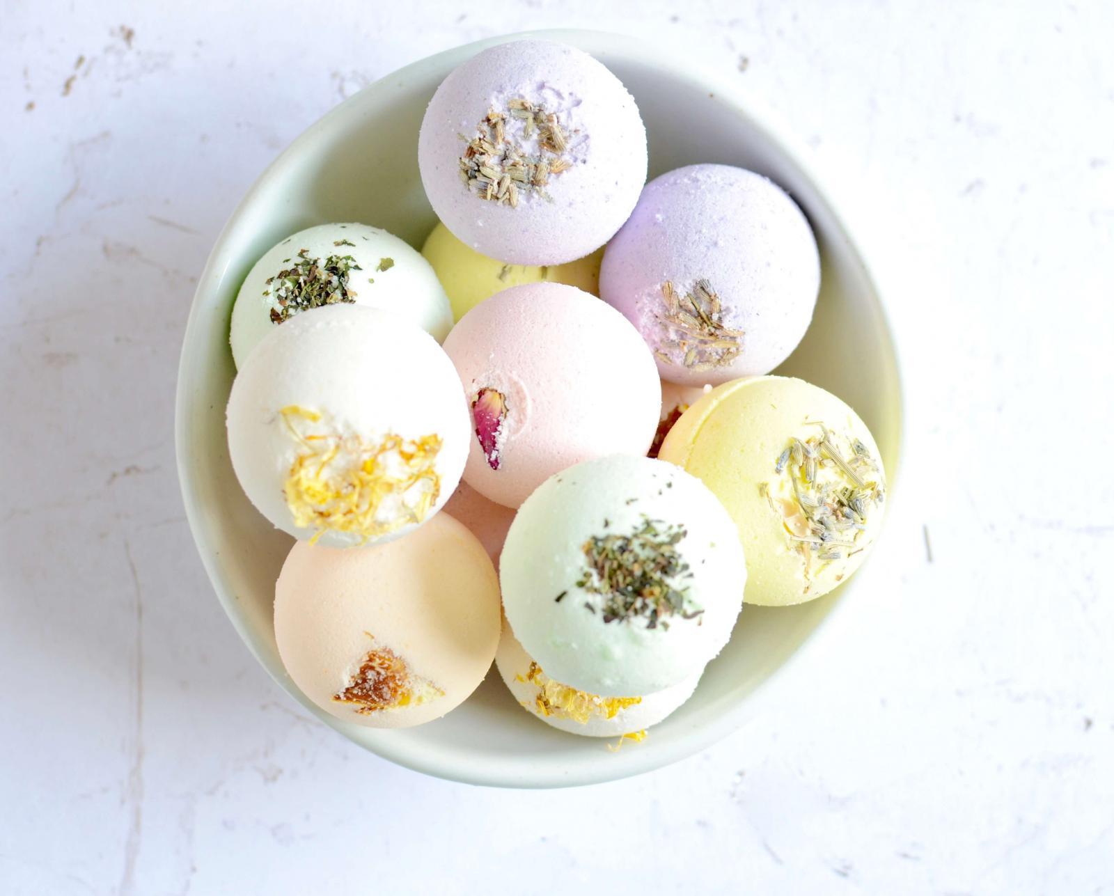 24 Mini Bath Bombs - Holiday Gifts - Bridal Shower Favors - Stocking Stuffers