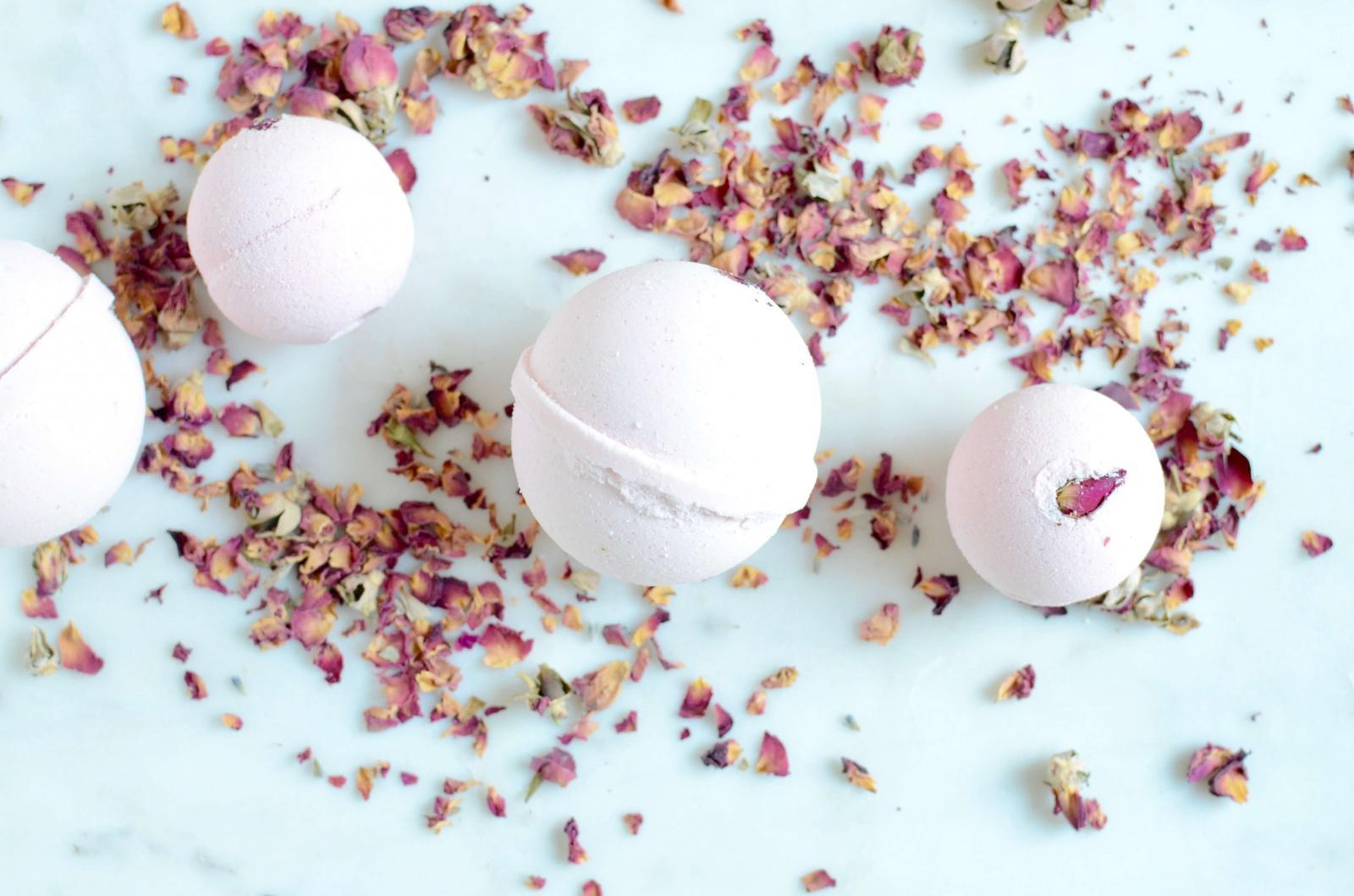 Rose Aromatherapy Bath Bomb