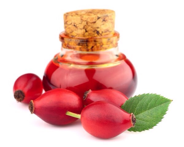 Just like argan oil, rosehip oil works wonders for dehydrated skin, because of the plethora of essential fatty acids found in it. Because of its skin brightening properties, rosehip oil is often added to serum + cream, created to diminish dark spots + fight dull-looking skin.