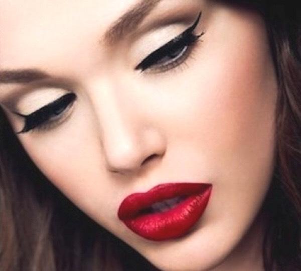 Perfect eyeliner??? ---->