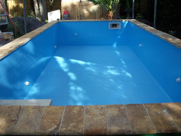 You now have a concrete block pool shell that is ready to set the tile on and be plastered.