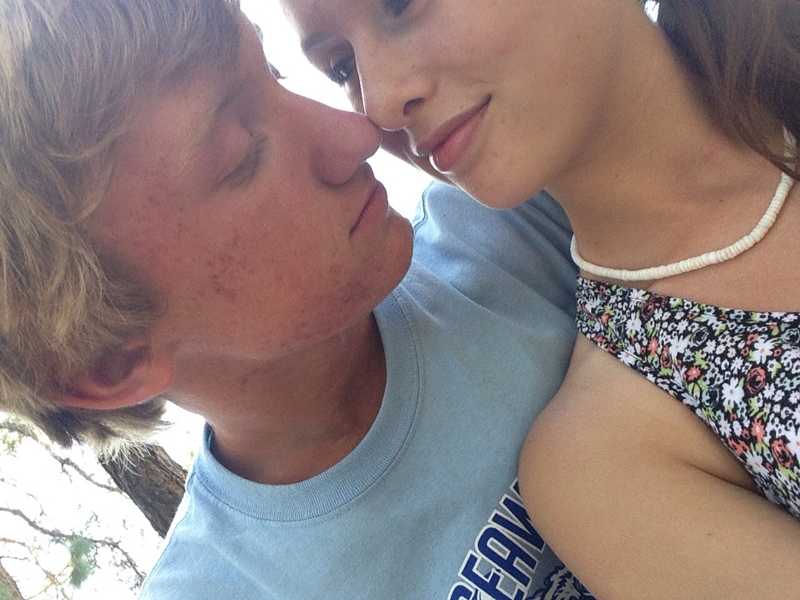 Sharing a sweet moment I manage to capture at the state fair 💋😚