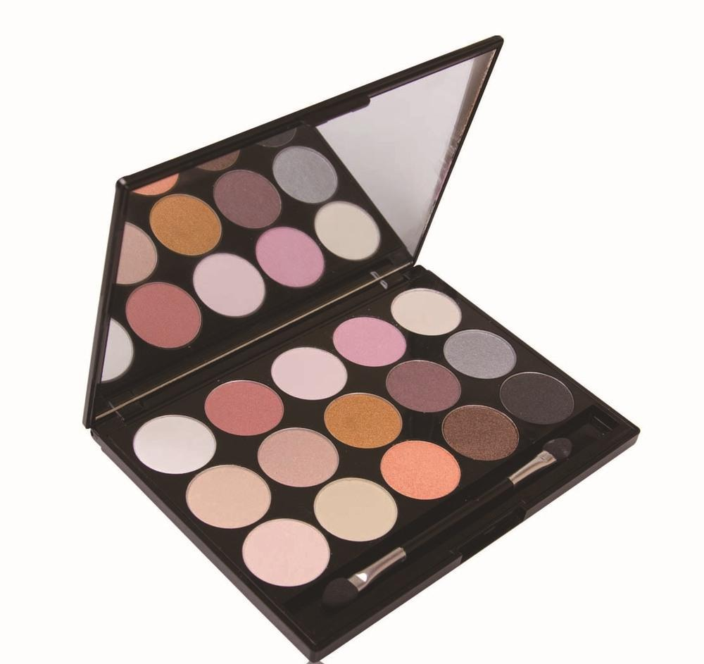 Add a light layer of some natural colour eyeshadow.