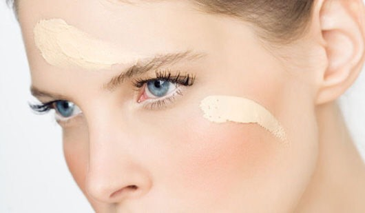 4.) CHOOSING FOUNDATION: Choosing a foundation that matches your natural skin tone is the most important step for a natural look. For oily skin, choose a matte foundation. For dry skin, go for a more dewy foundation. Try Maybelline's Poreless Foundation. It comes in both a matte and dewy version.