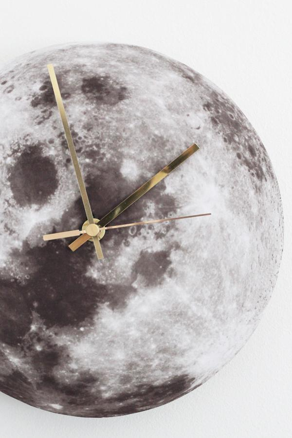 simple DIY moon clock