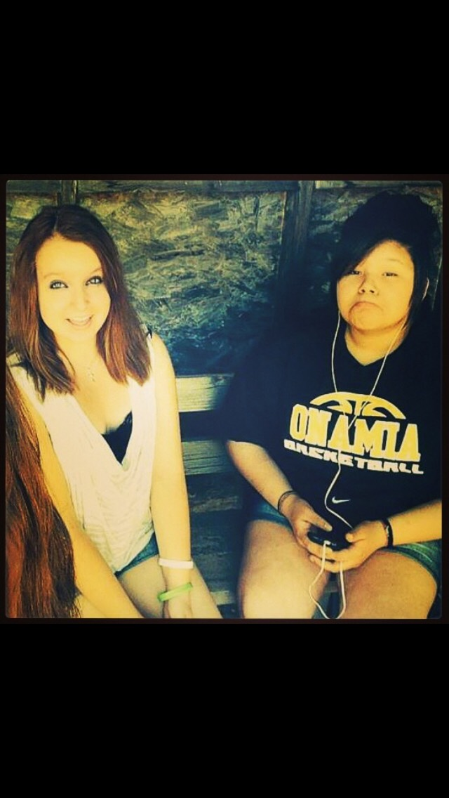 And then 8th grade I decided to dye my hair super dark brunette (this picture doesn't do it justice) but yea I'm the one on the left