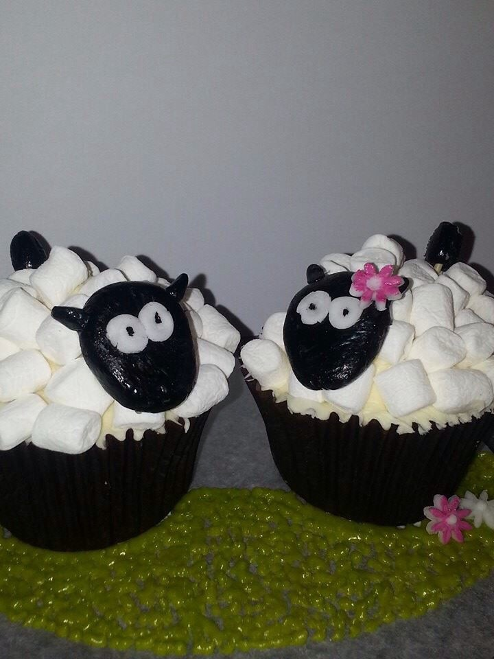 Now these are too cute! Possibly too cute to eat?!
