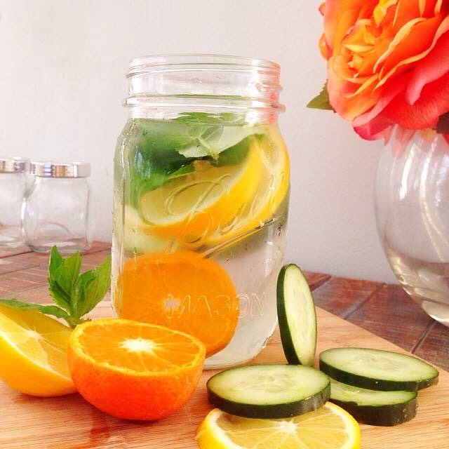 This is my favourite!!  1/2 orange 1/2 cucumber 2-3 slices of lemon Add with about 1L of water *also add 5-6 mint leaves for an even fresher taste 😊