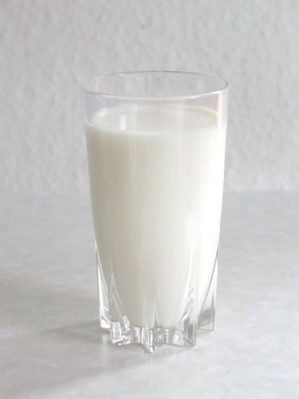 Start off with the measurement of 1 cup of milk. Put it in a glass cup or mug.