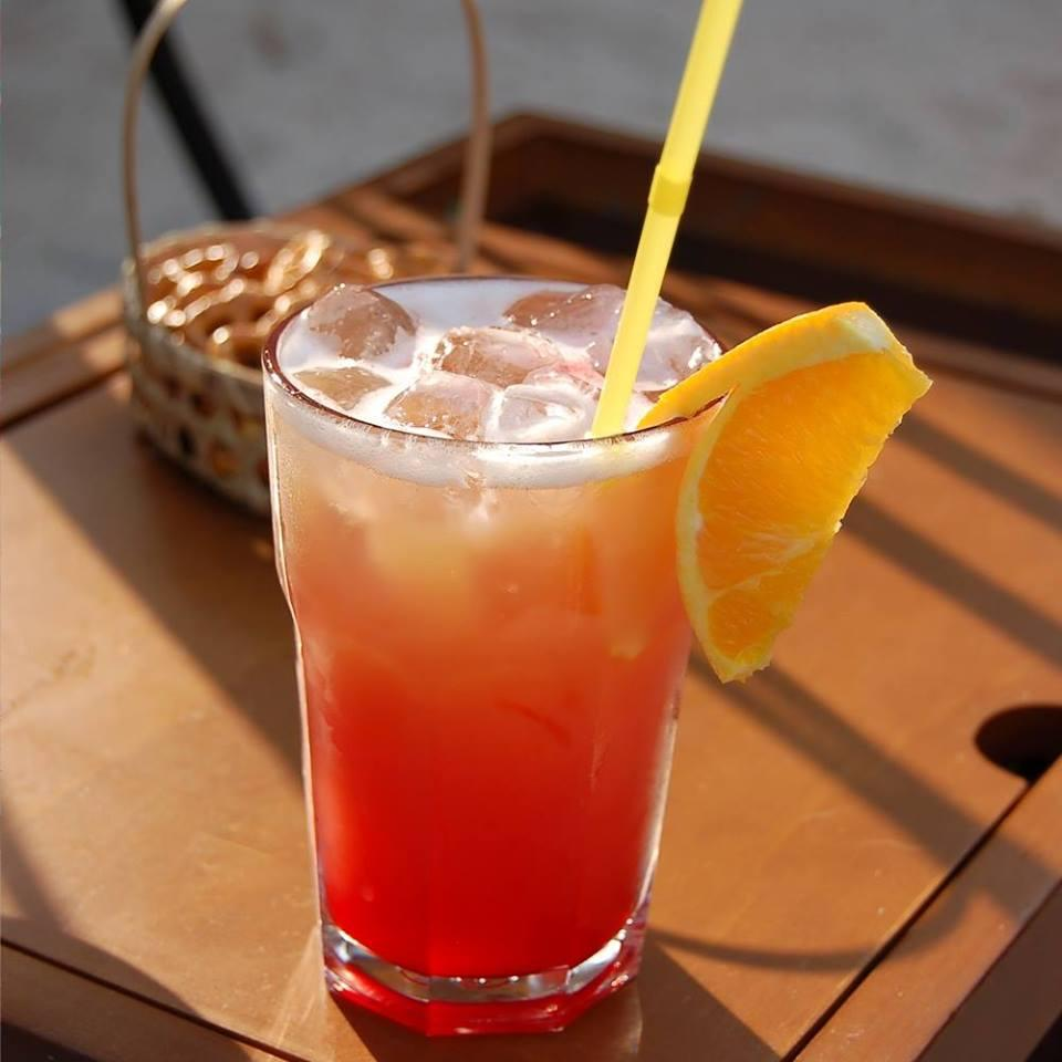 MALIBU SUNRISE 2 oz. (60ml) Malibu Coconut Rum 5 oz. (150ml) Orange Juice (no pulp) 1-2 Tbsp Grenadine Add ice. Garnish with cherries or an orange slice. Stick in a straw and enjoy!