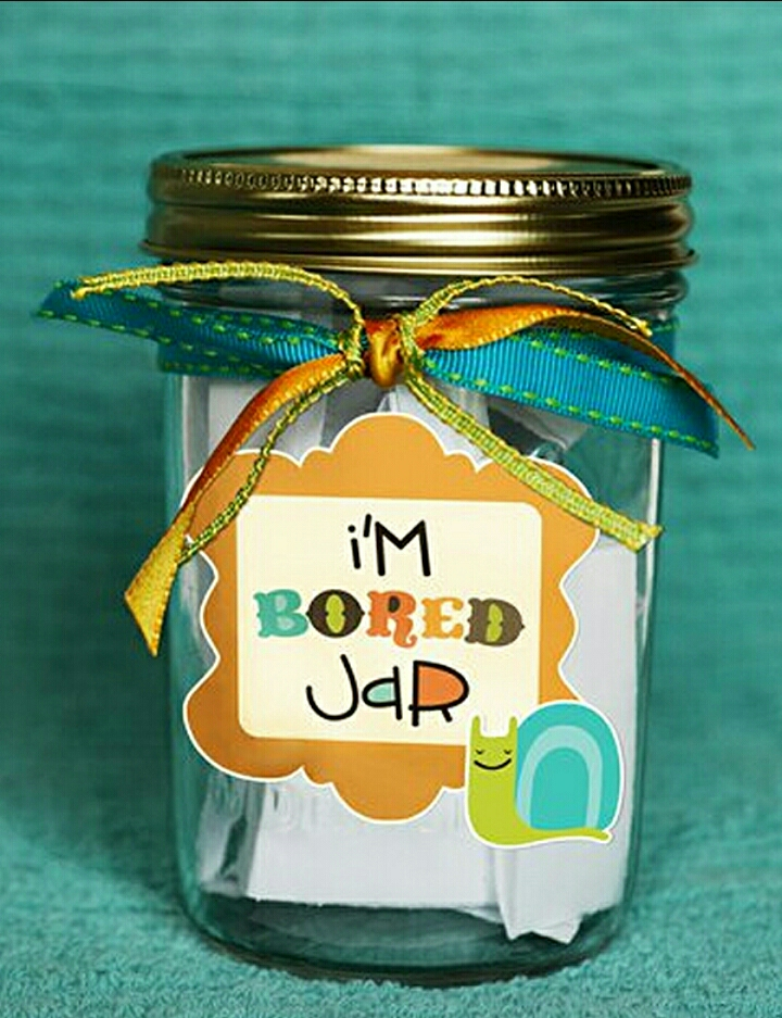 Now, you have a pretty bored jar, decorated the way you like, so you'll not be bored again 😉