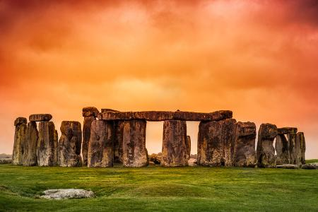 As the best known pre-historic monument in all of Europe, Stonehenge really needs no introduction.