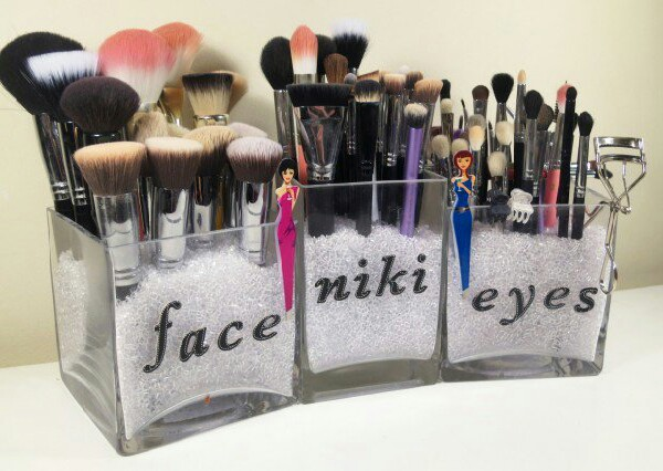 Want a stylish way to keep your brushes?