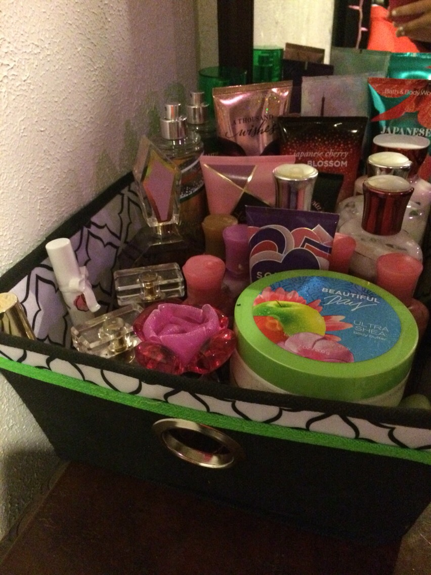 Putting ur perfume and or lotion in a cute little bin so that way it's organized and cute
