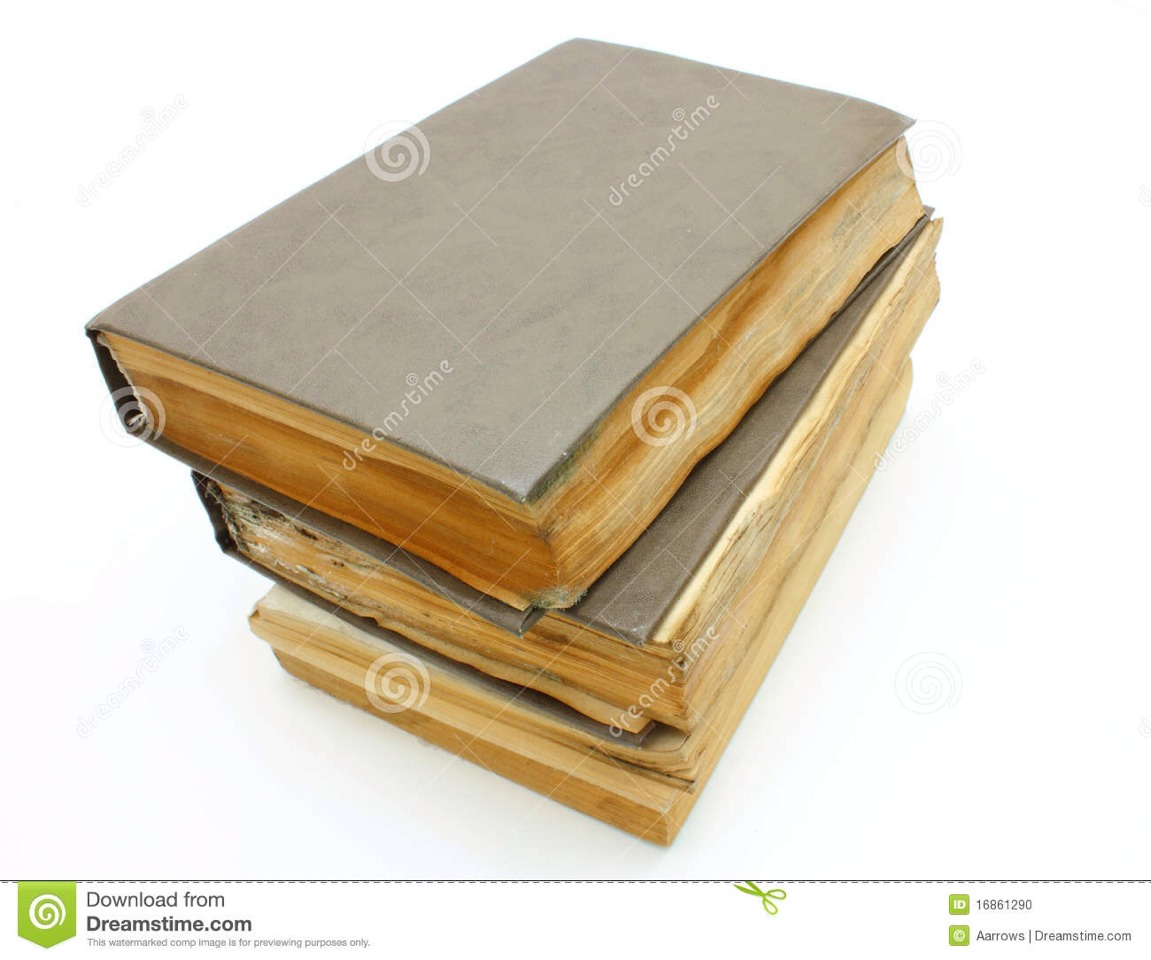 Mouldy books: books left too long develop unpleasant odours and grime. Sprinkle them with baby powder to breathe some life into them!