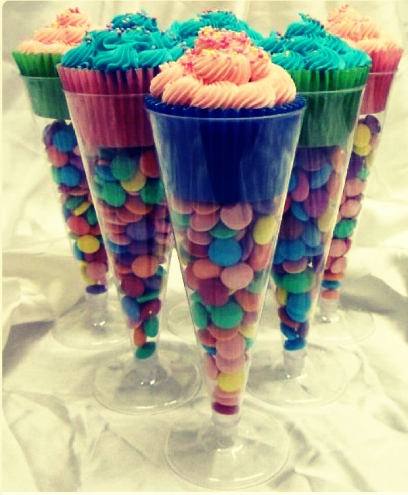 Make these in any color. Found the champagne glasses at the dollar store. Good idea for bby showers, bday's, holidays and more!