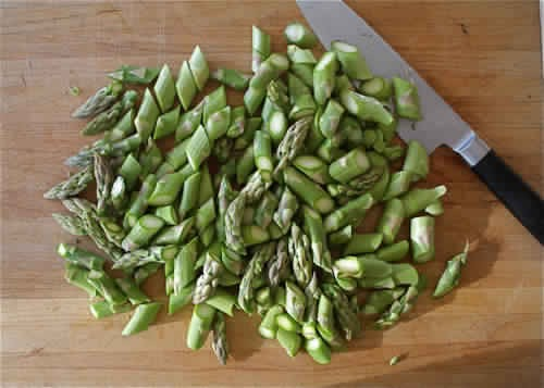 Chop asparagus 🔪