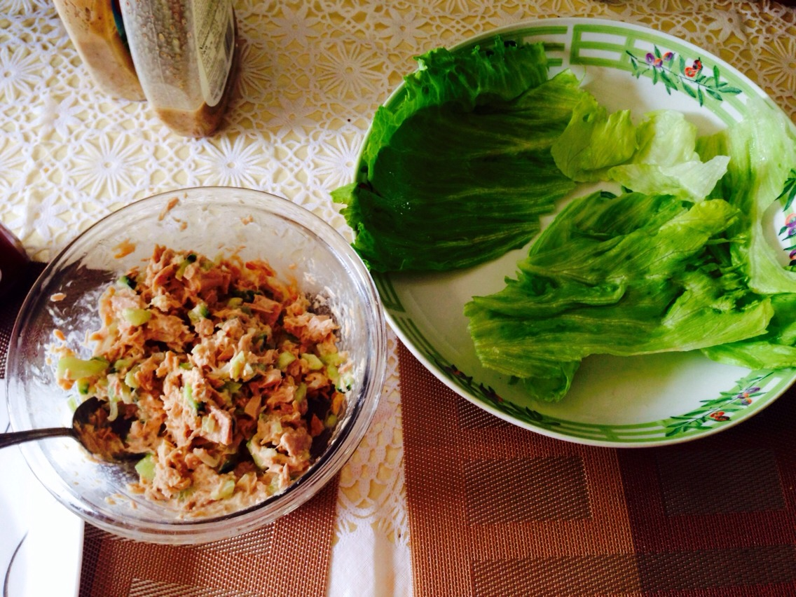 """I used 3 tuna cans  Half a cucumber (diced) 1/4 of an onion (diced) 1 or 2 spoonfuls of mayo (your choice) You can add any other spice according to your taste. I added some BBQ sauce on my tuna """"burrito""""  Also, have some leafs of washed lettuce ready! And you're done! It's so easy and fast to make!"""